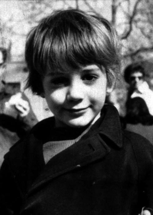 Старые фото знаменитостей (44 фото)