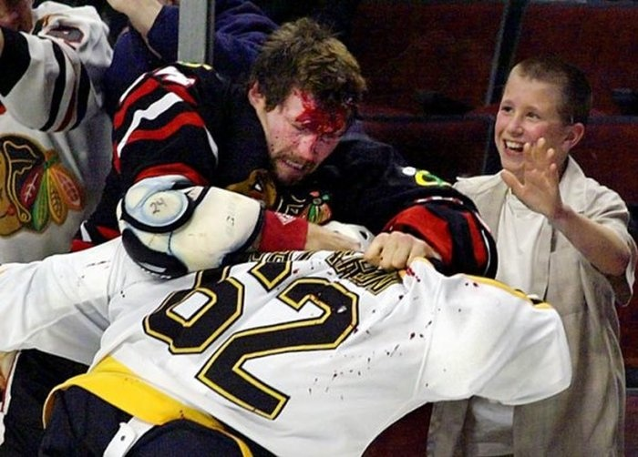 Подборка жестких моментов в хоккее (36 фото)