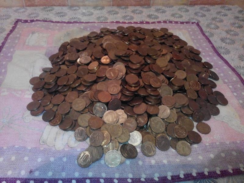 Финансовый результат использования двухлитровой банки в качестве копилки (8 фото)
