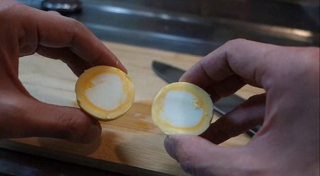 Яйцо, сваренное желтком наружу. Пошаговая инструкция