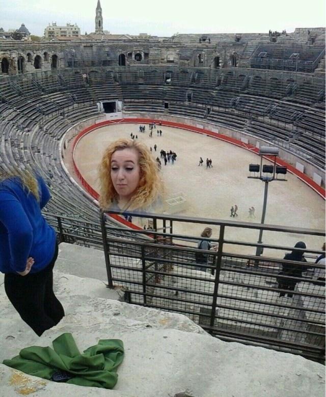 Неудачные панорамные фотографии (22 фото)