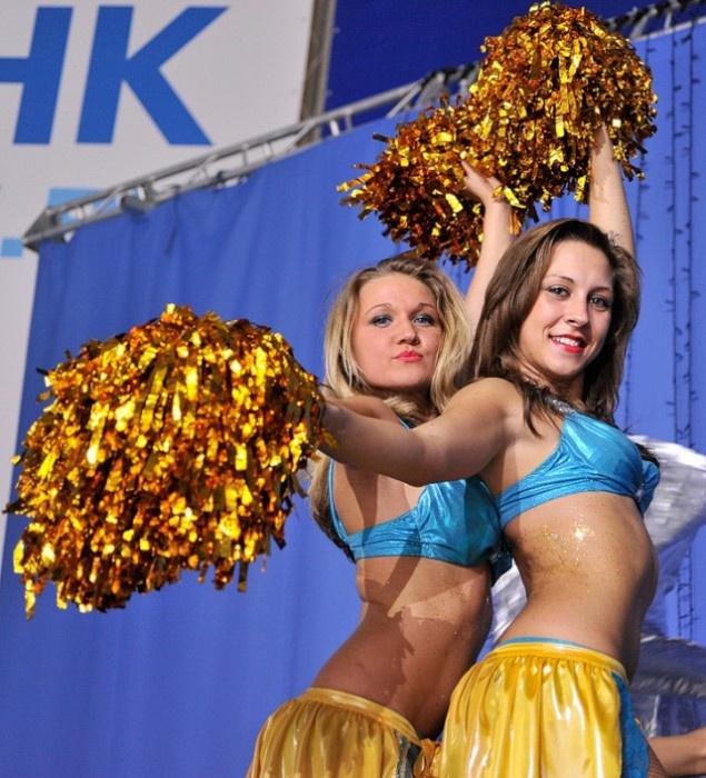 Участницы команд поддержки отечественного хоккея (46 фото)