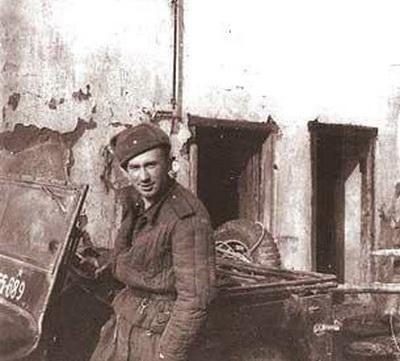 Армейские фото известных людей (26 фото)