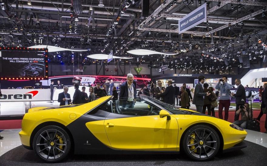 Фотоотчет с прошедшего международного автосалона в Женеве (110 фото)
