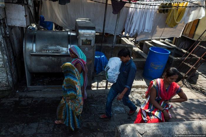 Индийские трущобы, в которых живут прачки (26 фото)