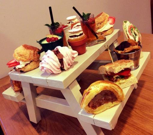 Необычные способы подачи блюд (12 фото)