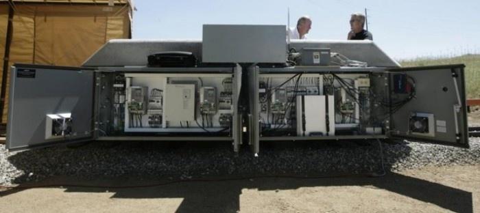 Необычный способ аккумуляции энергии солнца и ветра (5 фото)