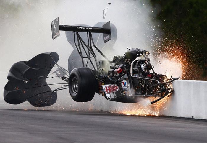 Авария на скорости 450 км/час (5 фото и видео)
