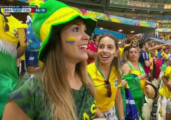 Фото бразильских футбольных болельщиц (55 фото)