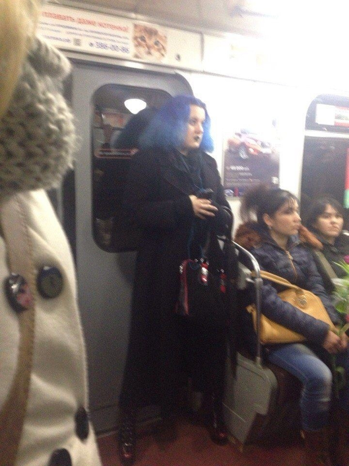 Модники из метро 23.03.2015 (25 фото)
