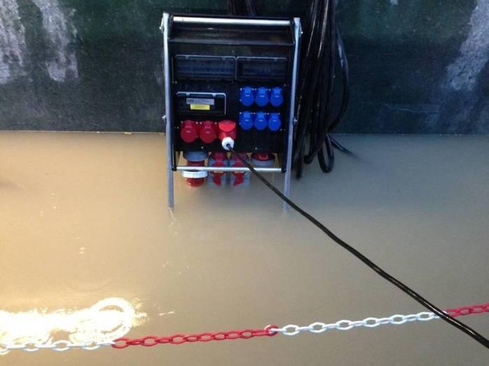 Датского электрика уволили из-за рискованных постов в соц.сетях (5 фото)