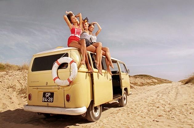 Девушки и авто (20 фото)
