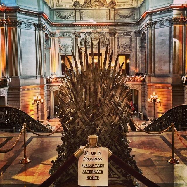 """Премьера пятого сезона """"Игры престолов"""" в Сан-Франциско (32 фото)"""