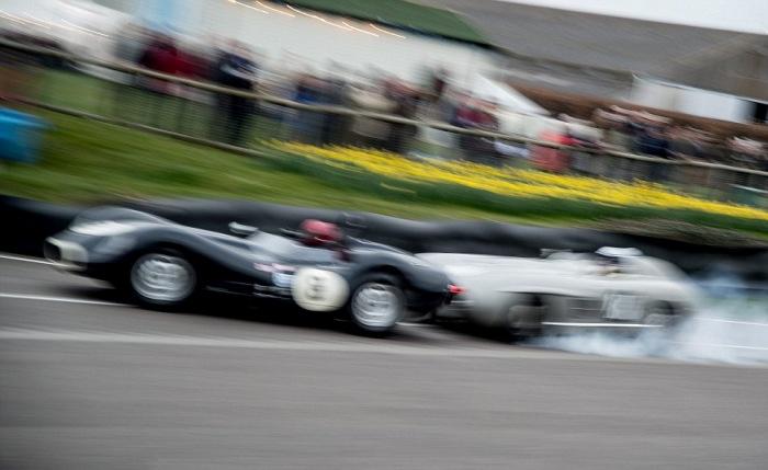 Столкновение двух дорогих раритетных спорткаров (9 фото)