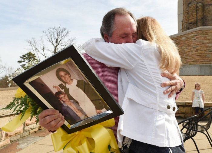 Благодарный пациент нашел выходившую его медсестру спустя 42 года (5 фото)