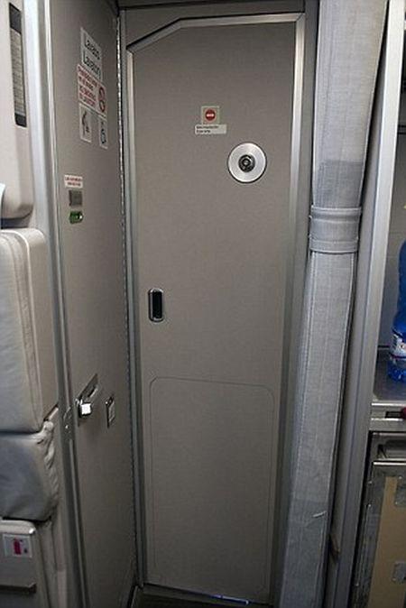 В крушении Airbus-320 немецкой авикомпании обвиняют второго пилота (5 фото)
