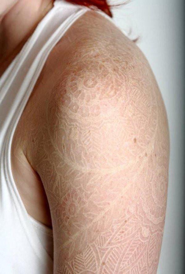 Женские татуировки (17 фото)
