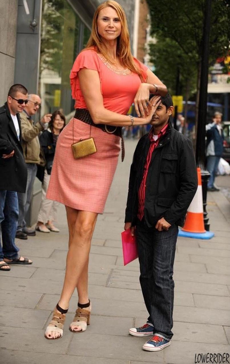 Самая  высокая фотомодель в мире (19 фото)