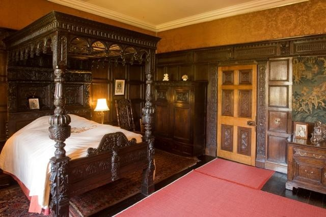Роскошь королевских спален (16 фото)