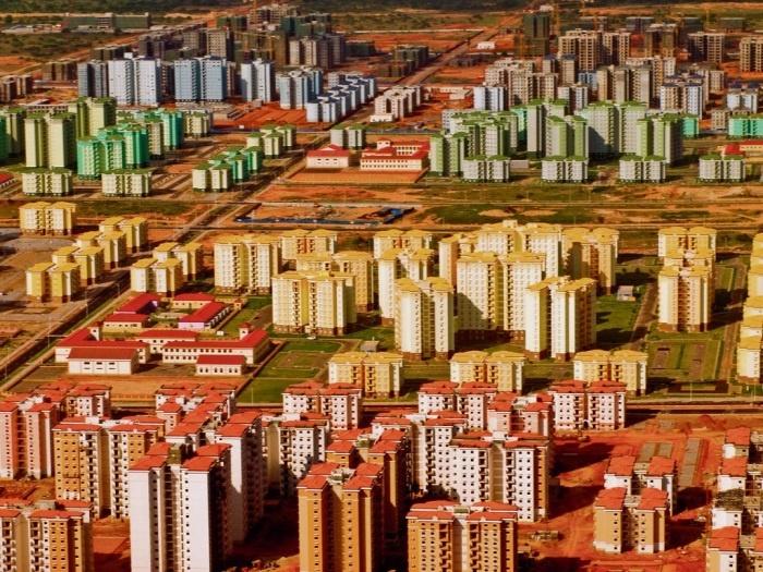 Недавно построенные города, в которых никогда не было жителей (8 фото)