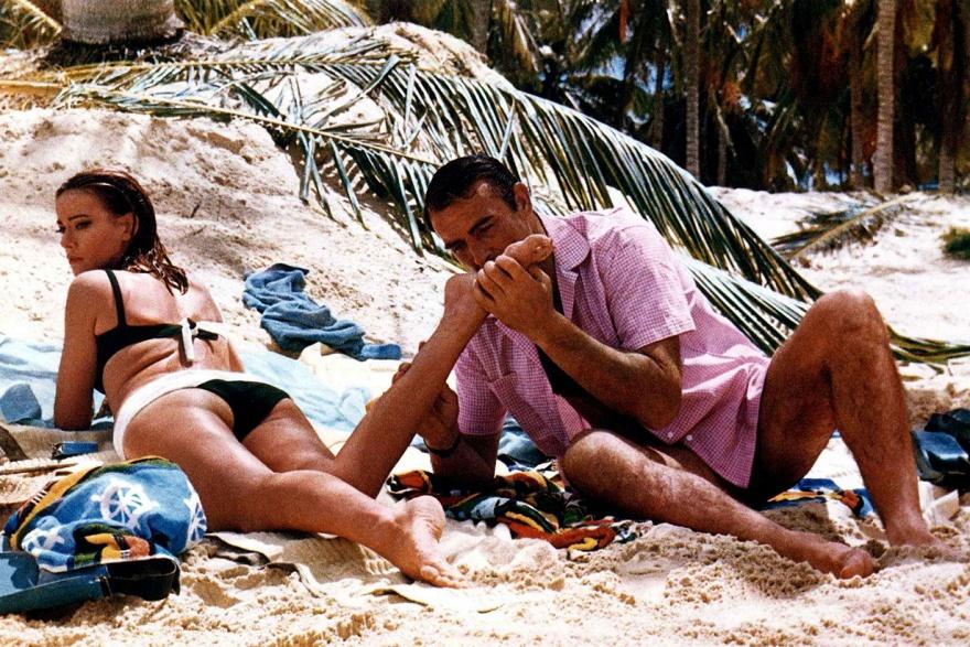 Самые известные подруги Джеймса Бонда (24 фото)
