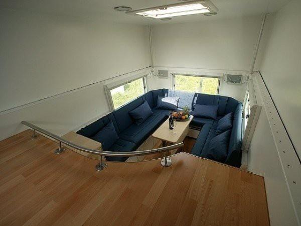 Комфортный дом на колесах для дальних путешествий (7 фото)