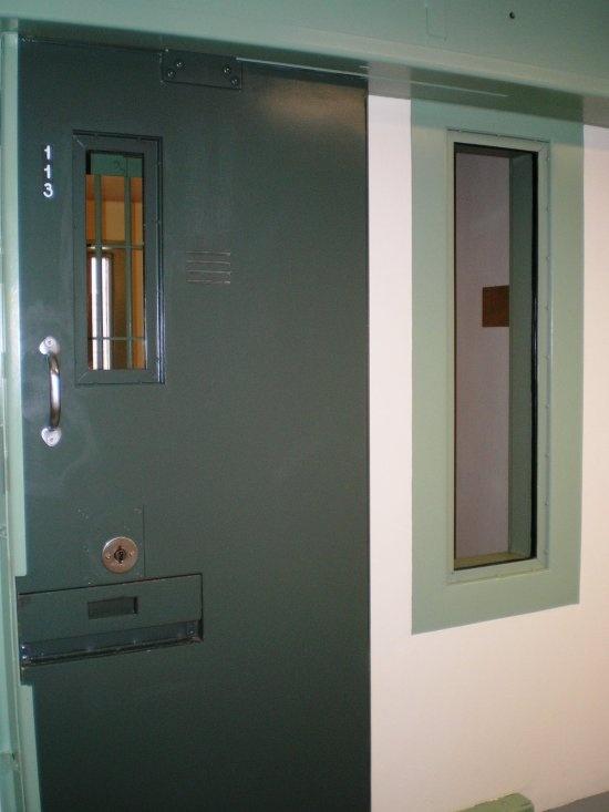 Одна из самых защищеных от побега тюрем США (13 фото)