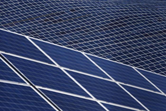 Солнечные батареи в Провансе (13 фото)