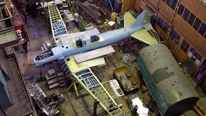 Группа любителей авиации ищет и восстанавливает сбитые самолеты времен Великой Отечественной войны (11 фото)