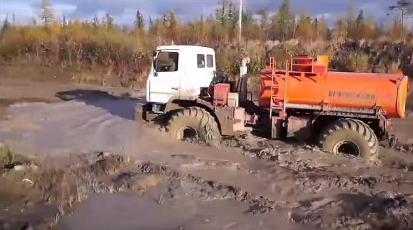 Вездеход ЯМАЛ В-4В АТЗ-9 на испытаниях в полевых условиях