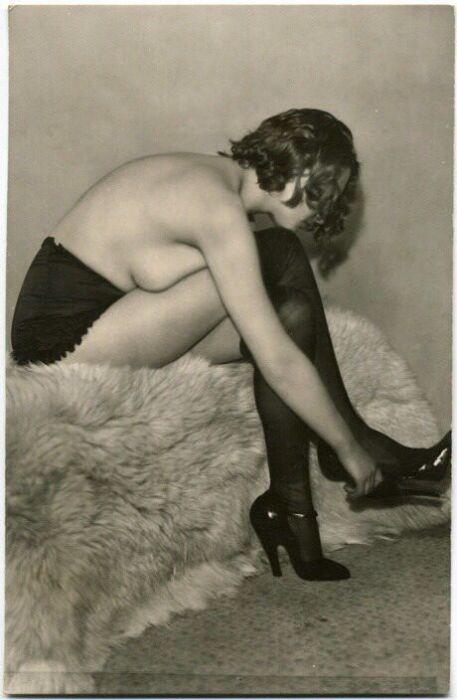 Реклама французского нижнего белья в 30-х годах прошлого века (14 фото)