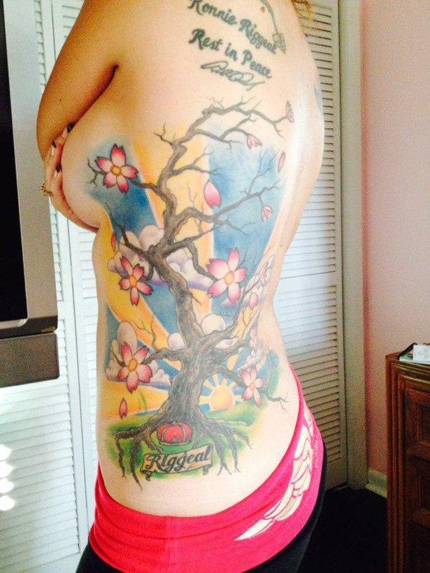 Девушки и татуировки 10.04.2015 (44 фото)