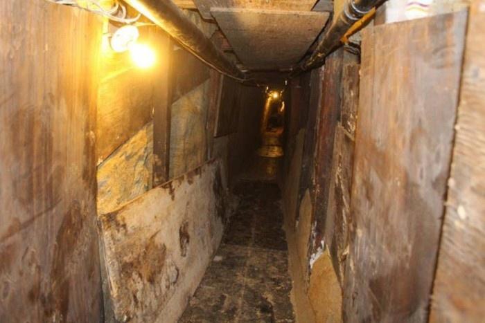 Подземный тоннель контрабандистов между США и Мексикой (9 фото)