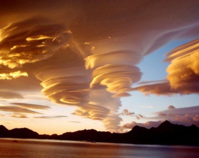 Красивые и необычные природные явления (20 фото)