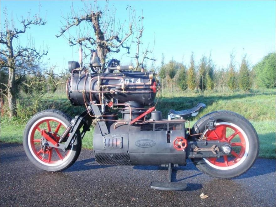 Мотоцикл на паровой тяге (9 фото)