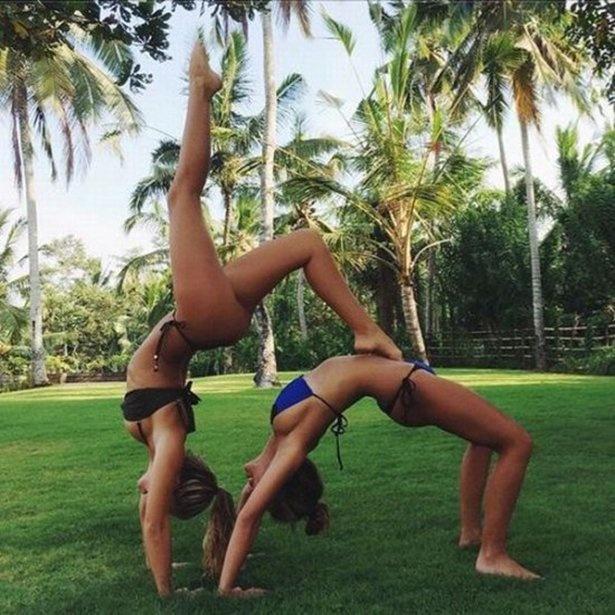Девушки в бикини 13.04.2015 (40 фото)