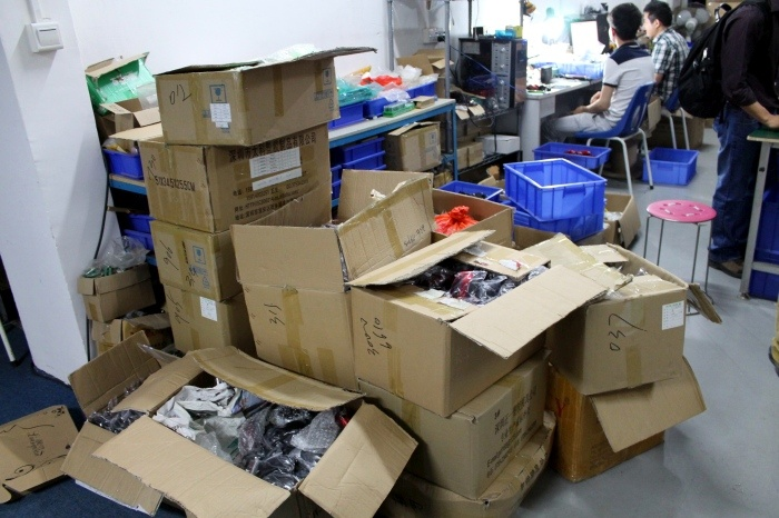 Как собирают компьютерные мыши на небольшой китайской фабрике (24 фото)