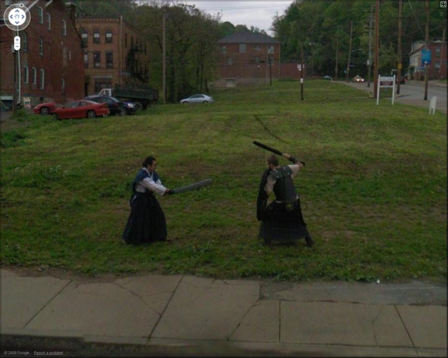 Странные, интересные и забавные фото от Google Street View (20 фото)