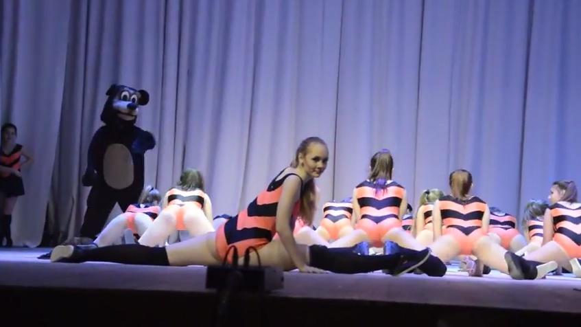 Танец несовершенолетних пчелок с Винни-Пухом закончился скандалом