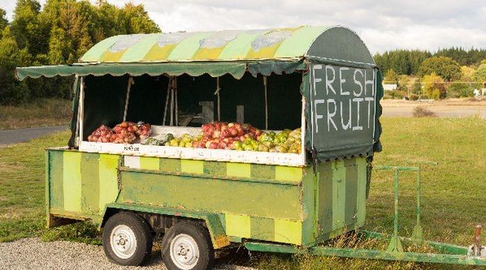 Ларек самообслуживания с фруктами в Новой Зеландии (3 фото)