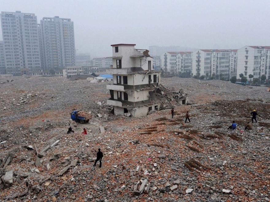 Самые стойкие домовладельцы Китая (12 фото)