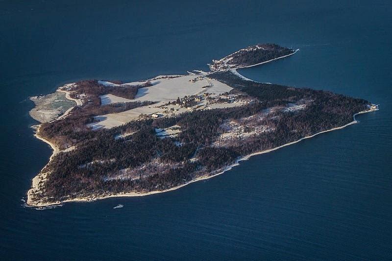 Самая комфортная тюрьма в мире (13 фото)