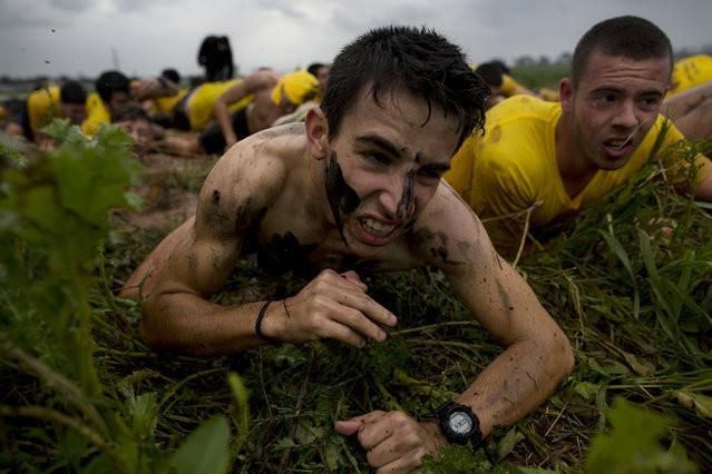 Подготовка израильских старшеклассников к службе в армии (18 фото)