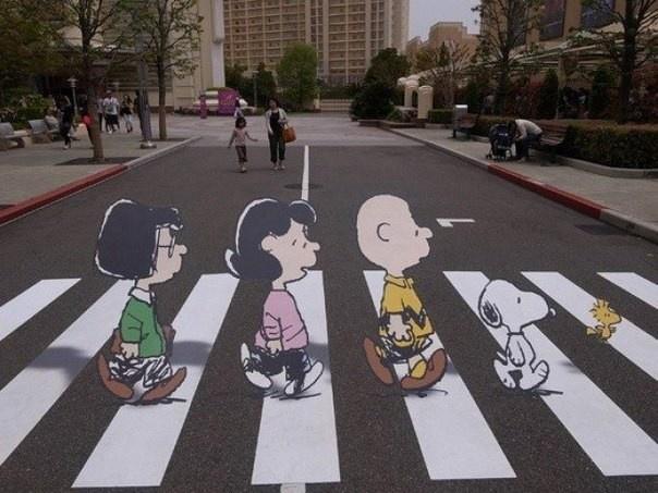 Необычные пешеходные переходы (10 фото)