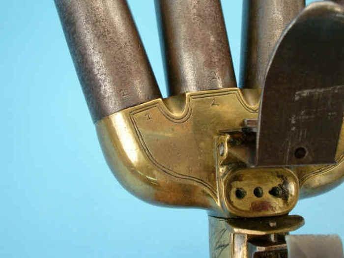 Четырехствольный залповый пистолет(9 фото)