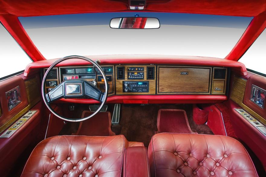 Последняя модель самой культовой серии Cadillac (18 фото)