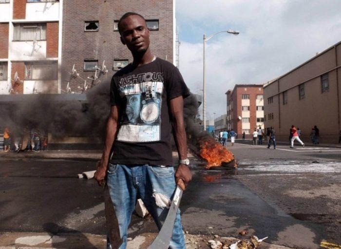 Беспорядки в ЮАР, вызванные притоком мигрантов (30 фото)