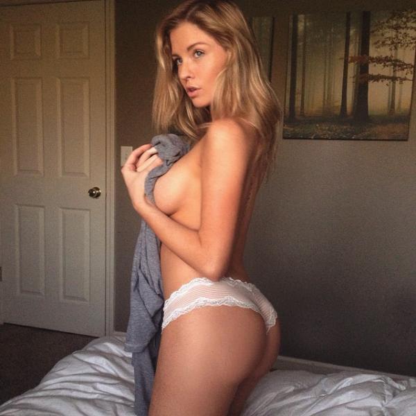 Девушки в постели - фото и селфи (48 фото)