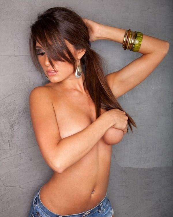 Фото и селфи стеснительных девушек (40 фото)