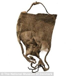Стринги 19 века из меха морского котика